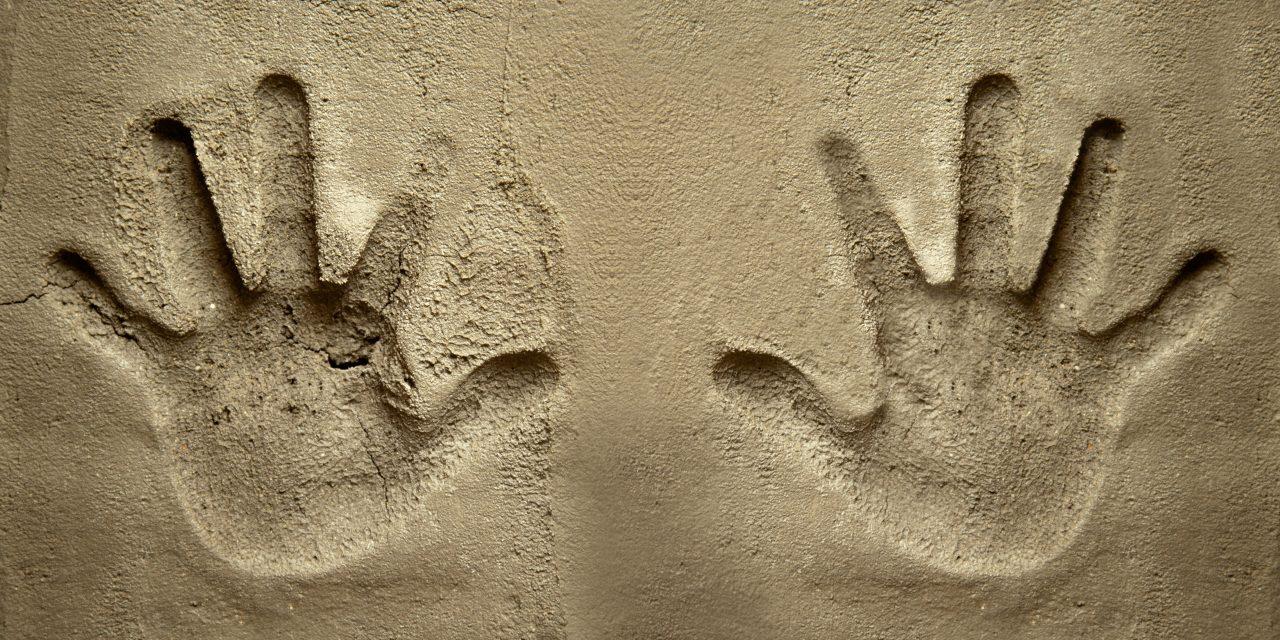 Gros soleil, les pieds dans le ciment